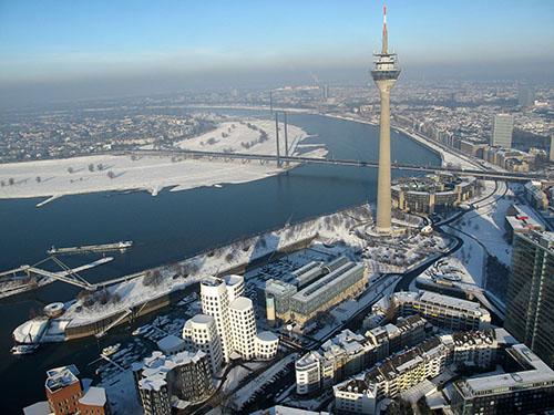 Fahrschule in Düsseldorf finden
