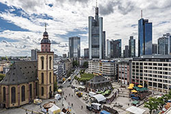 Fahrschule in Frankfurt am Main finden